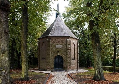 1824-1825 Bouw protestants kerkje
