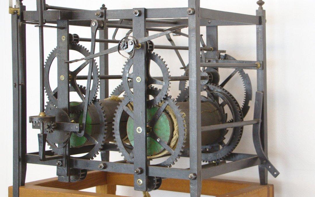 Oude Vos-uurwerk terug in Nuenen