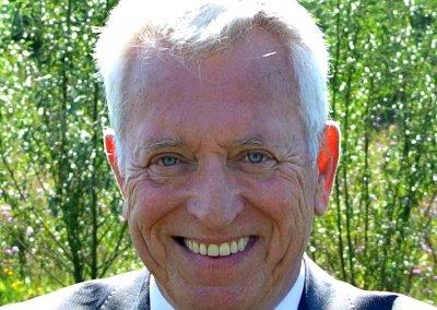 Willem van Ravestijn, politiek thrillerauteur